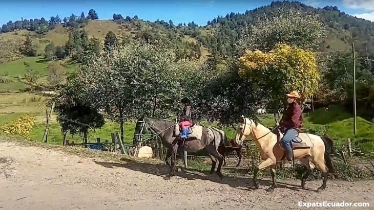 Horseback riding Cuenca Ecuador