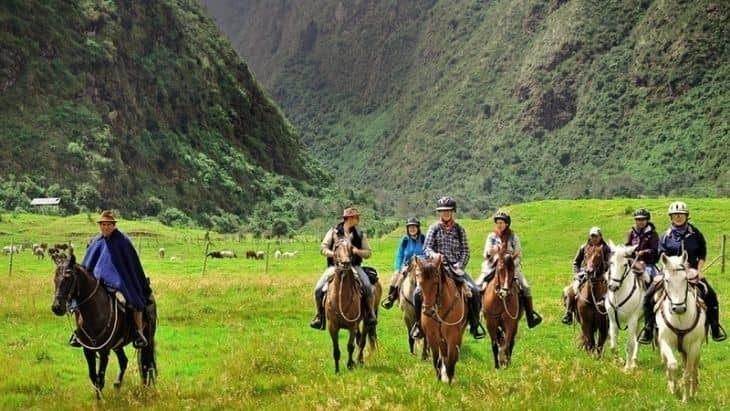 Horseback riding Zuleta Ecuador