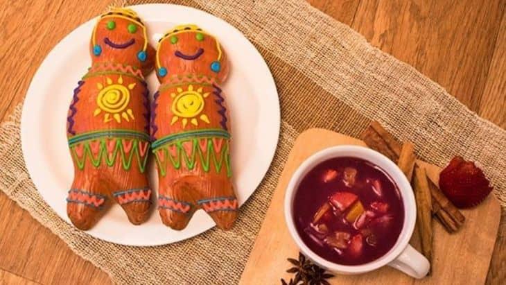 Guaguas de pan y Colada Morada